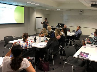Meredith Burton, Bee-events, delivering an event case study to participants in the Executive Certificate in Business and Public Event Management, Sydney, November 2018.